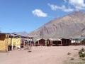 Puente del Inca - plaza con puestos